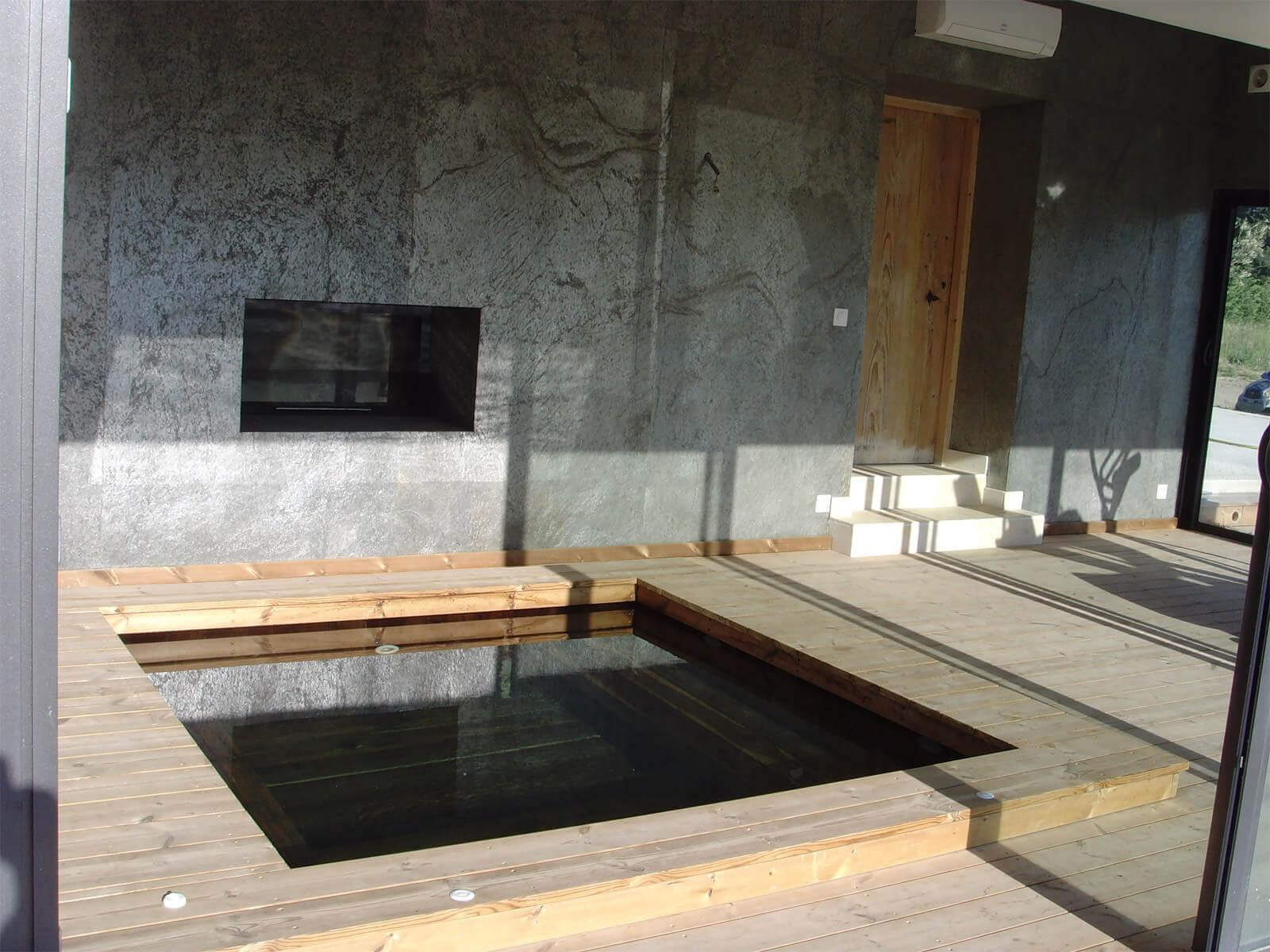 Piscine semi interieur exterieur piscine horssol ocea for Piscine jacuzzi exterieur