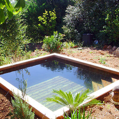 Piscine petit terrain cool maison m a venu with piscine for Piscine xs coque