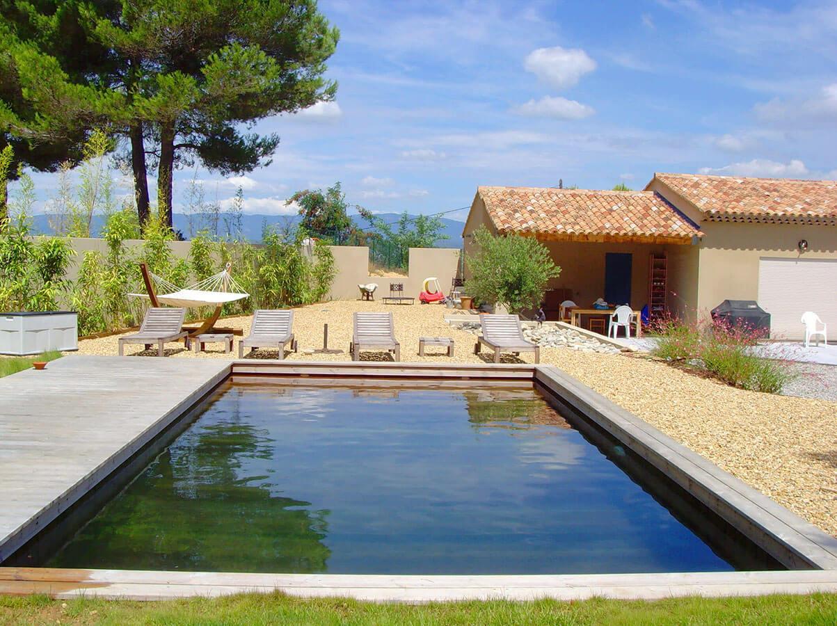Fabricant de piscines en bois marseille 13000 et ses for Restaurant avec piscine marseille