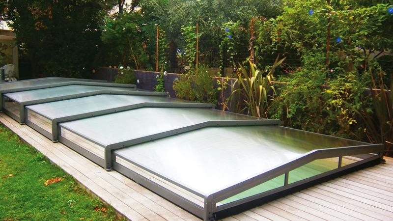 Abri pour filtration piscine finest abri pour spa for Filtration piscine verre