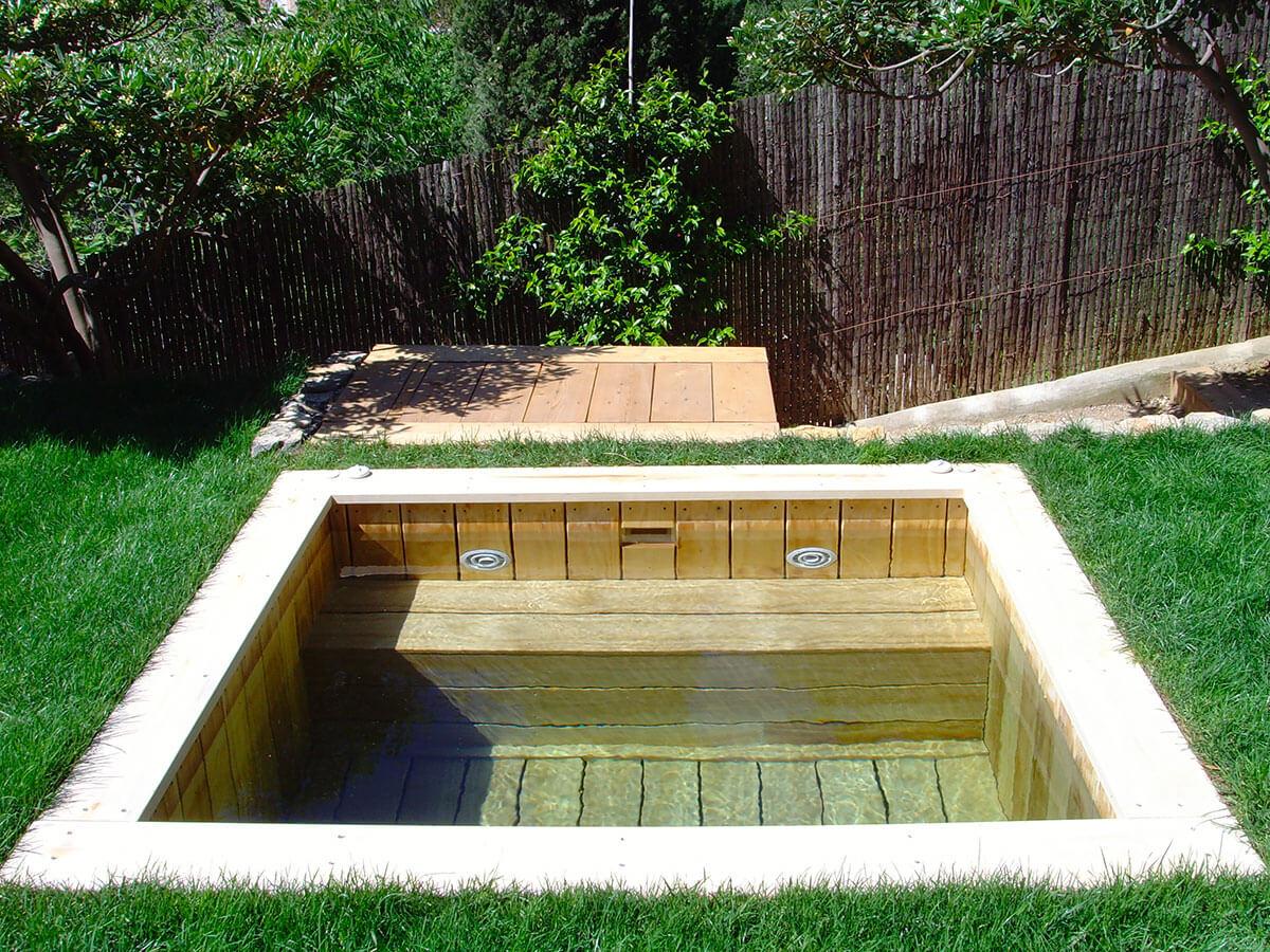 Constructeur de piscine en bois cologique pour les h tels et r sidences - Jacuzzi exterieur sur terrasse ...