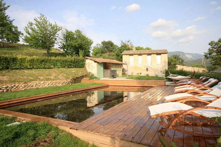 Constructeur de piscine en bois cologique pour les h tels for Constructeur piscine bois