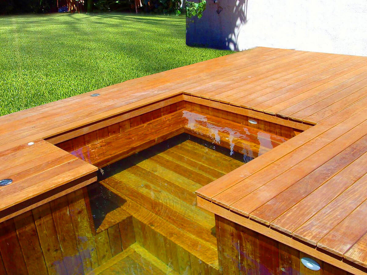 Fabricant de piscine en bois sur mesure toulon hy res for Piscine carre bois