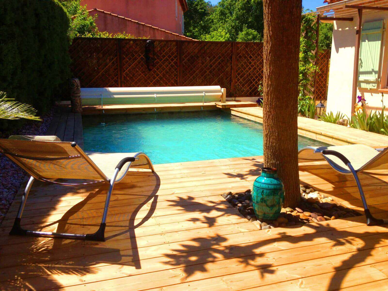 terrasse avec piscine hors sol trendy la piscine en bois. Black Bedroom Furniture Sets. Home Design Ideas