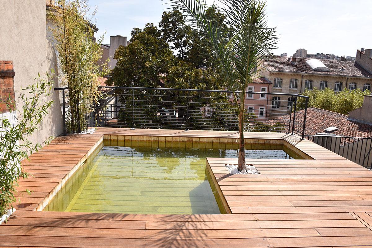 Fabricant piscine et jacuzzi spa sur mesure 100 bois for Piscine hors sol avec terrasse