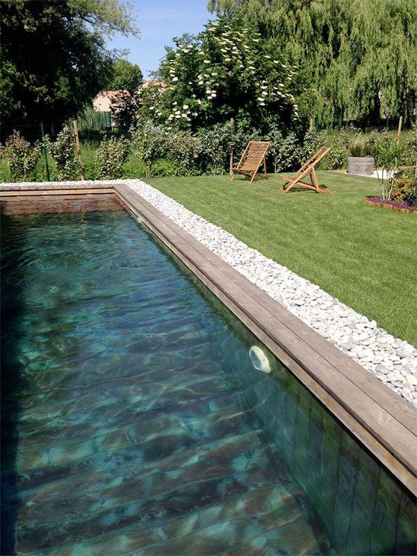 pour une piscine de luxe haut de gamme optez pour le bois
