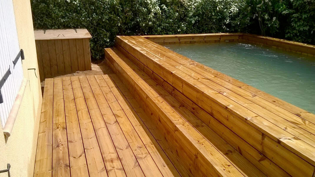 Installateur de piscine en bois semi enterr e en paca 83 for Piscines semi enterrees