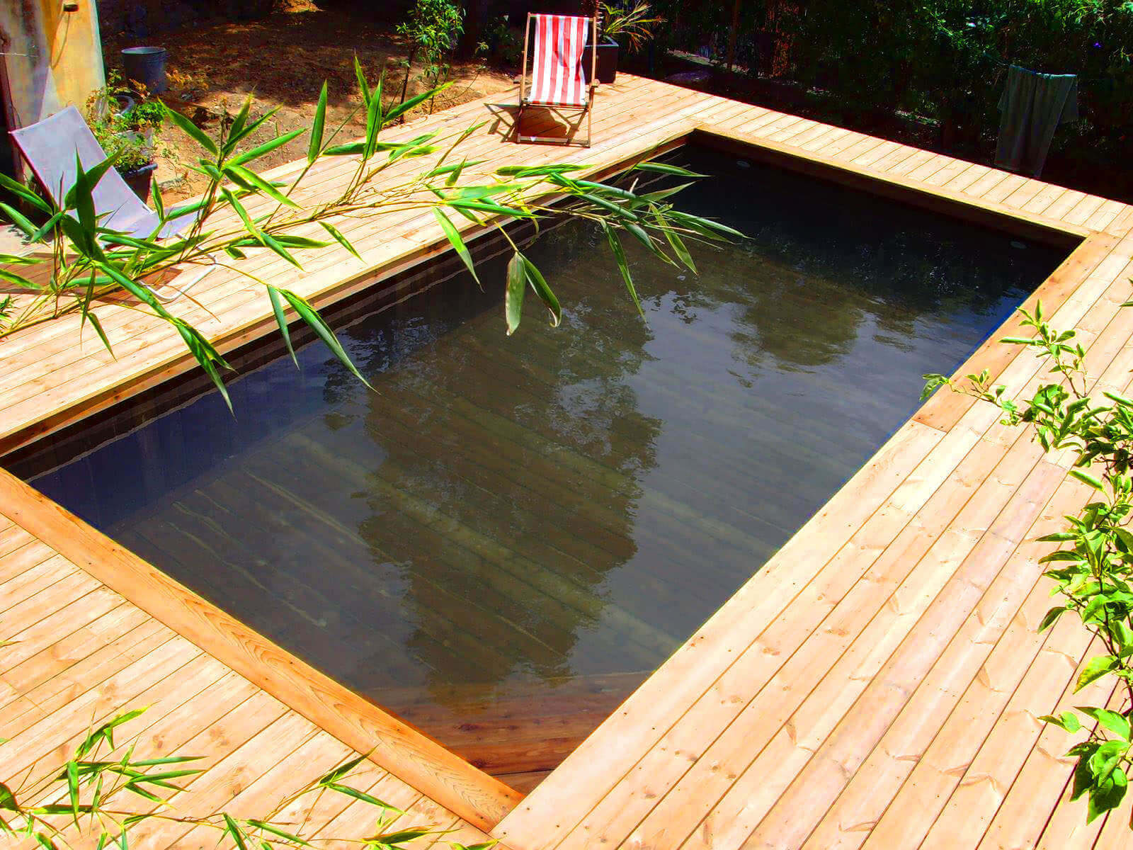 Piscine hors sol bois ronde best amenagement piscine bois for Piscine hors sol enterrable