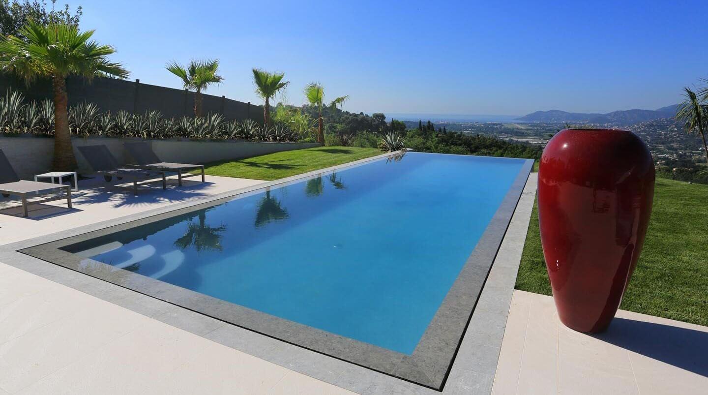 Comment bien choisir sa piscine entre b ton coque liner - Realiser sa piscine ...