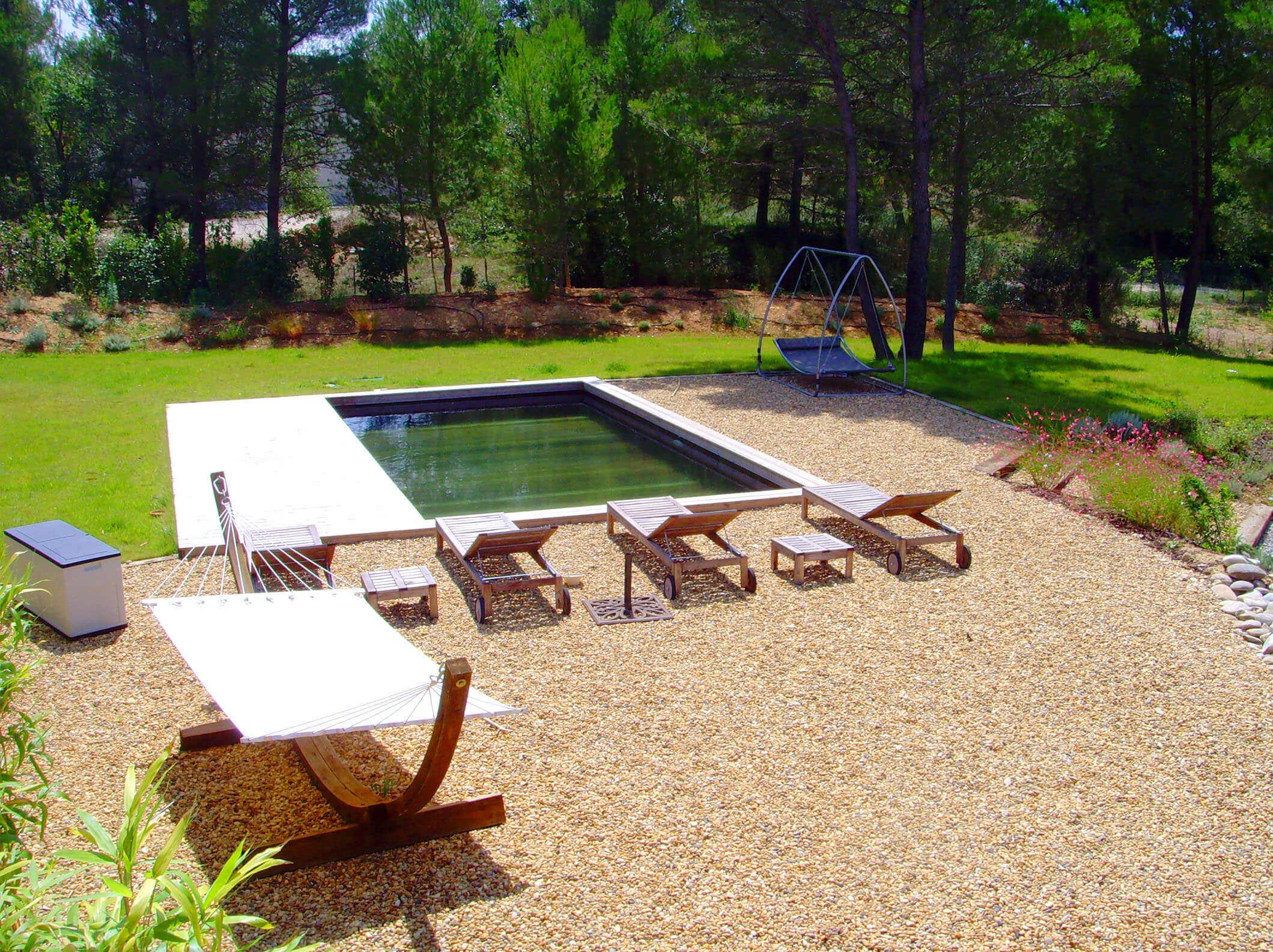 Fabricant piscine et jacuzzi spa sur mesure 100 bois for Piscine jardin bois