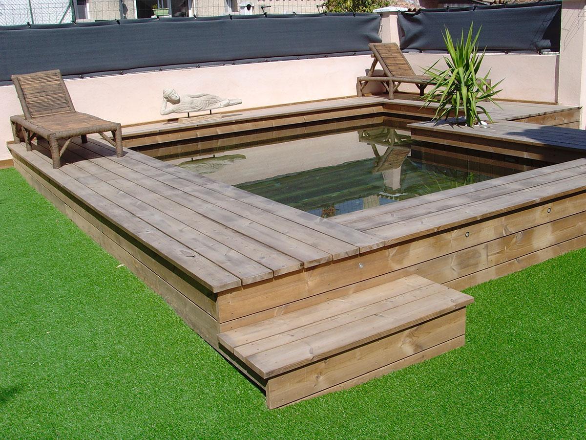 photos de poses de piscines semi enterr es en bois par odyssea. Black Bedroom Furniture Sets. Home Design Ideas